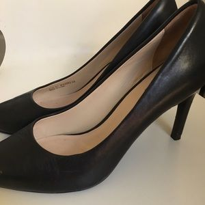 Cole Haan 3.5 inch black leather heels, size 8